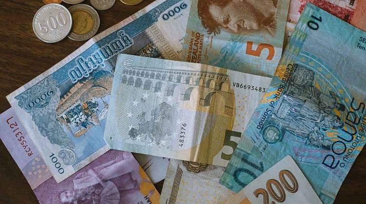 Kredyt walutowy - czy warto?
